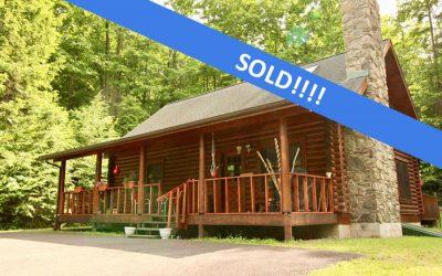 39 Acres, Beautiful Log Home